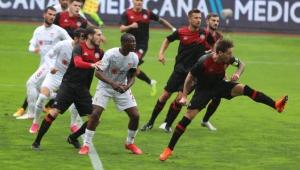 Sivasspor, Fatih Karagümrük deplasmanından 1 puanla dönüyor!