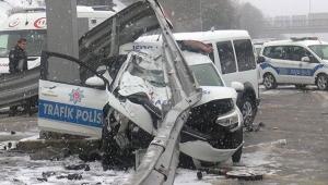 Beşiktaş'ta sivil polis aracı, trafik polisi aracına arkadan çarptı!