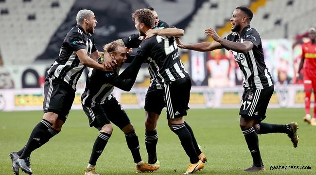 Beşiktaş zorlansa da Göztepe engelini de geçti!
