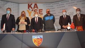 Hes Kablo Kayserispor'da Dan Petrescu için imza töreni düzenlendi