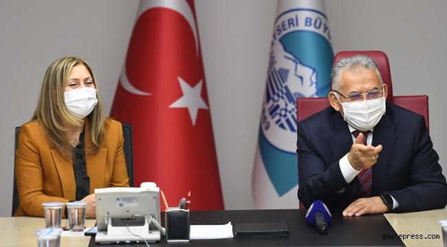 Kayseri'de Başkan Büyükkılıç, Ak Parti Kayseri Kadın Kolları'nın Yeni Yönetimini Kabul Etti!