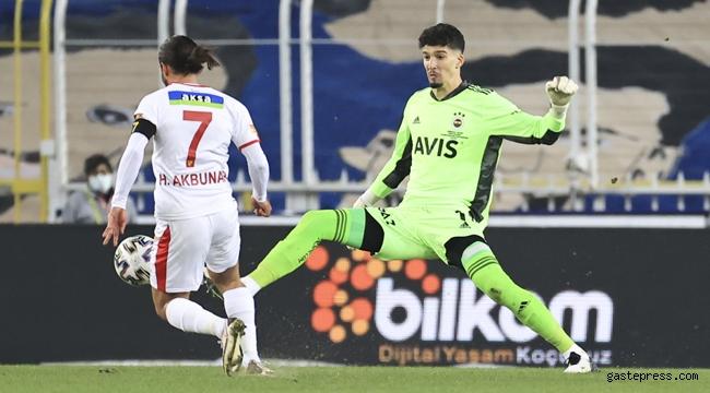 Fenerbahçe, sahasında Göztepe'ye de mağlup oldu!