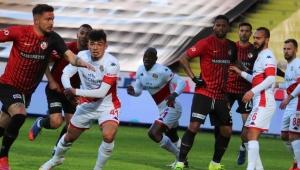 Gaziantep FK sahasında Antalyaspor'la puanları paylaştı!
