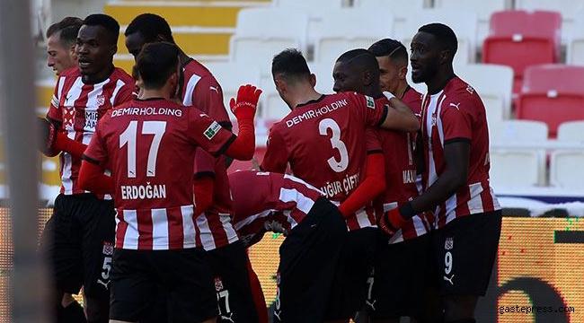 HK Kayserispor, Sivasspor deplasmanında kayıp!