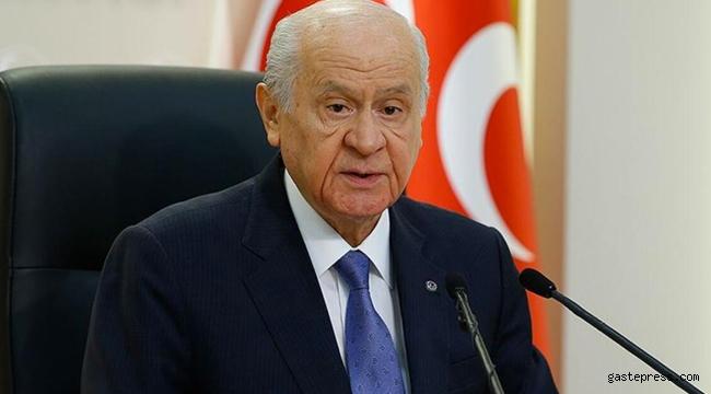 MHP Lideri Bahçeli gençlere seslendi: Sizin yeriniz kapı değil, içerisidir!