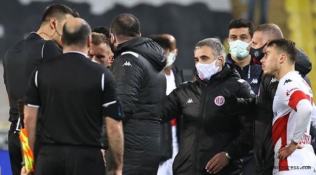 Antalyaspor'dan Fenerbahçe maçı sonrası hakem isyanı!