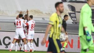 Fenerbahçe'ye Ersun Yanal'lı Antalyaspor'dan çelme!