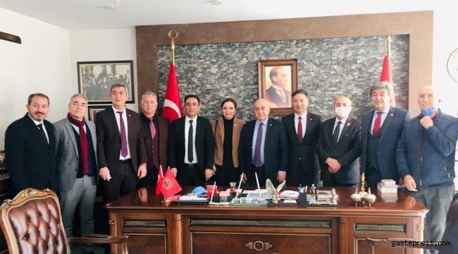 İYİ Parti Kayseri İl Teşkilatından Emekliler Derneğine Ziyaret!