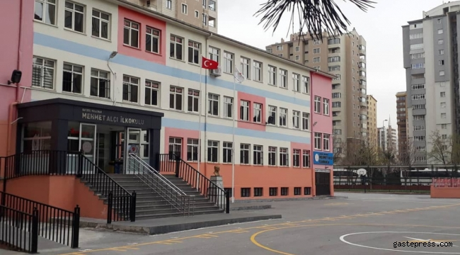 Mehmet Alçı İlkokulu Yönetimine Pandemi Döneminde Velilerden Tam Not!