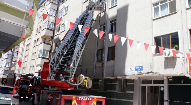 Apartmanın merdivenlerine atılan sigara yangına neden oldu!