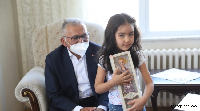 Başkan Büyükkılıç'tan Şehit Ailelerine Bayram Ziyareti!