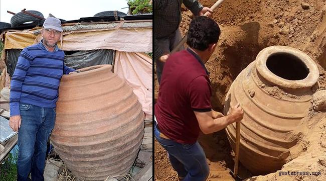 Çiftçinin 4 yıl önce bulduğu 1700 yıllık küp müzeye kaldırıldı
