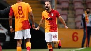 Galatasaray, Beşiktaş'ı yendi zirve karıştı!