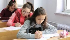 MEB Açıkladı; Liselerde sınavlar nasıl yapılacak 11 soruda tüm cevaplar!