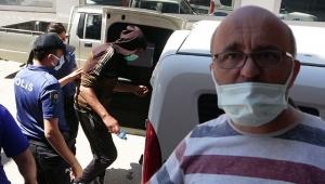 Otelinden hırsızlık yapanı sokakta yakalayıp, polise teslim etti!