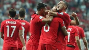 Şenol Güneş, Milli Takım'ın EURO 2020 kadrosunu canlı yayında açıkladı!