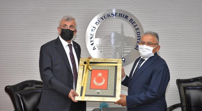 Başkan Büyükkılıç, Sağlık Bilimleri Üniversitesi Rektörü Erdöl'ü Ağırladı!