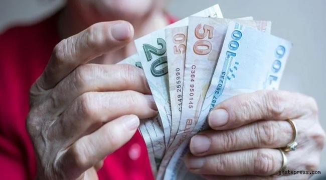 Emekli olmak isteyenlere müjde gibi bir haber: Yeni hak geldi maaş bağlanacak!