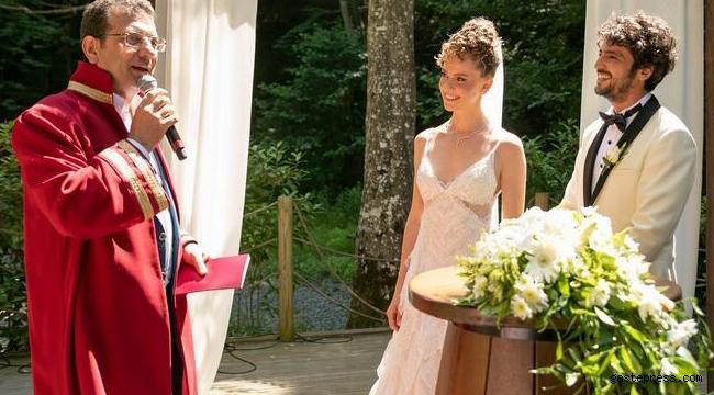 Oyuncu Taner Ölmez ile Ece Çeşmioğlu evlendi!