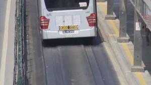 İstanbul'daki aşırı sıcaktan asfaltlar eridi!