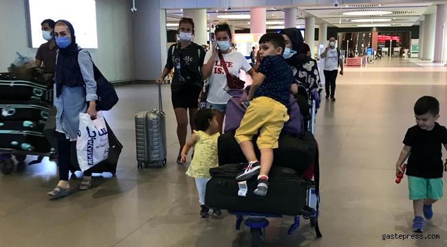 İstanbul Havalimanı'nda bayram tatili dönüşü yoğunluk başladı!
