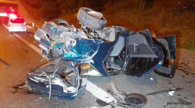 TEM Otoyolu'nda takla atıp hurdaya dönen otomobilde bir kişi yaralandı!