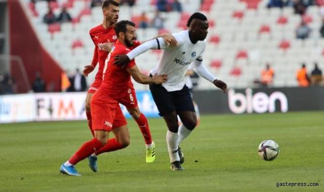 Çılgın maçta Sivasspor ve Adana Demirspor puanları paylaştı!